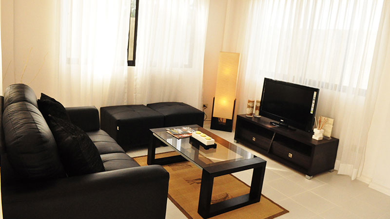 Erin-Dining-Living-Area1